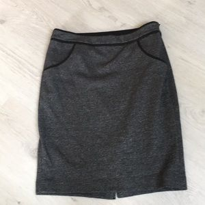 Limited grey skirt soft with front pockets